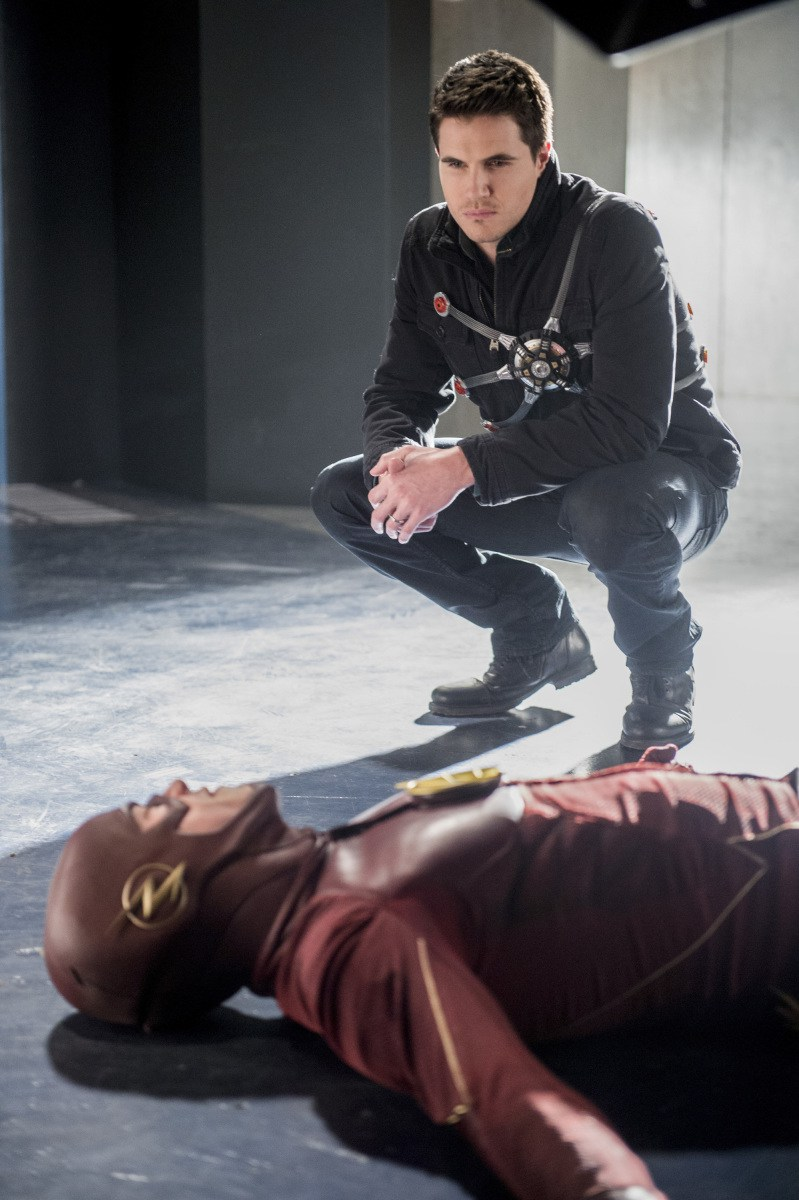 """The Flash: Season 3, Episode 16 """"Into the Speed Force"""" Review"""