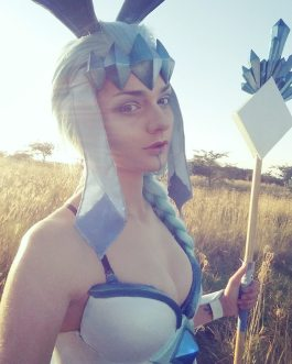 glaceon-cosplay-by-giantshev-6