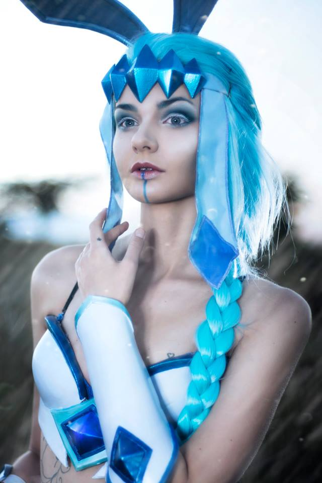 Pokemon: Glaceon Cosplay by GiantShev