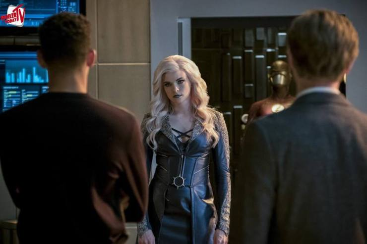 """The Flash: Season 3, Episode 21 """"Cause and Effect"""" Review"""