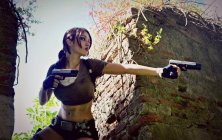 lara-croft-tomb-raider-legend-cosplay-by-eilaire-9