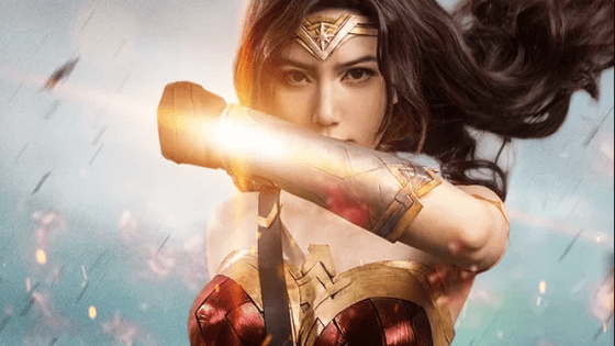 Chinese cosplayer Lestatuti nails Wonder Woman's look and feel.