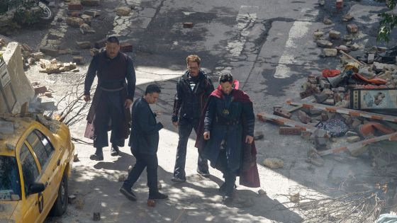 What's going on in this set photo featuring the Hulk, Iron Man and Wong from 'Avengers: Infinity War'?