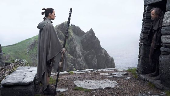 """'The Last Jedi' director Rian Johnson: The identity of Rey's parents is """"still open"""""""