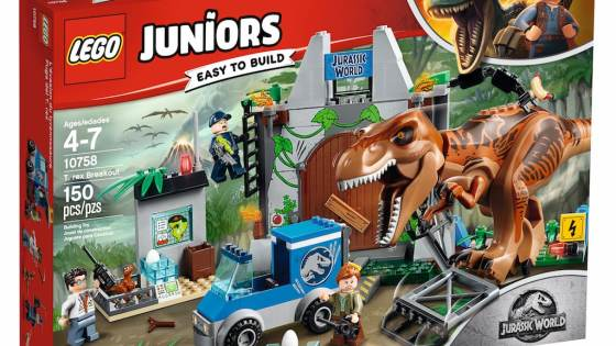 LEGO is going full dino with these new 'Jurassic World' sets.