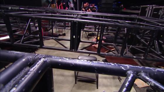 Braun Strowman just used a goddamn grappling hook on WWE Raw