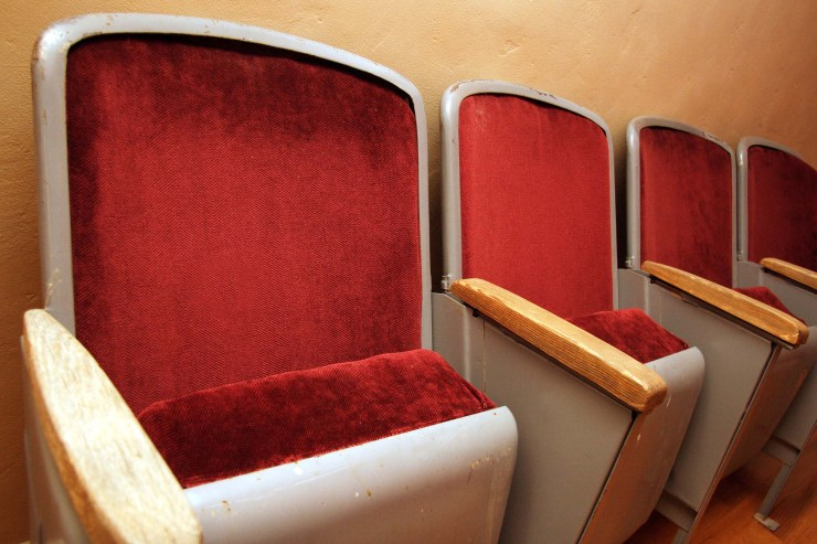 Don't Ruin the Movies: A handy guide to movie theater etiquette
