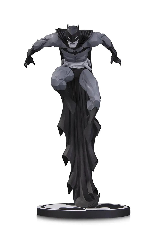 DC Collectibles Black & White: Batman by Jonathan Matthews Resin Statue Review