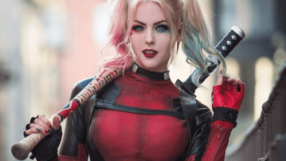 Lady Deadpool and Harley Quinn/Deadpool mashup cosplay by Maid of Might