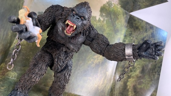 We unbox the newly released King Kong Mezco action figure.