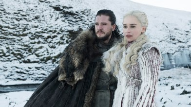 Kit Harrington/Jon Snow and Emilia Clarke/Daenerys Targaryen – Photo: Helen Sloan/HBO
