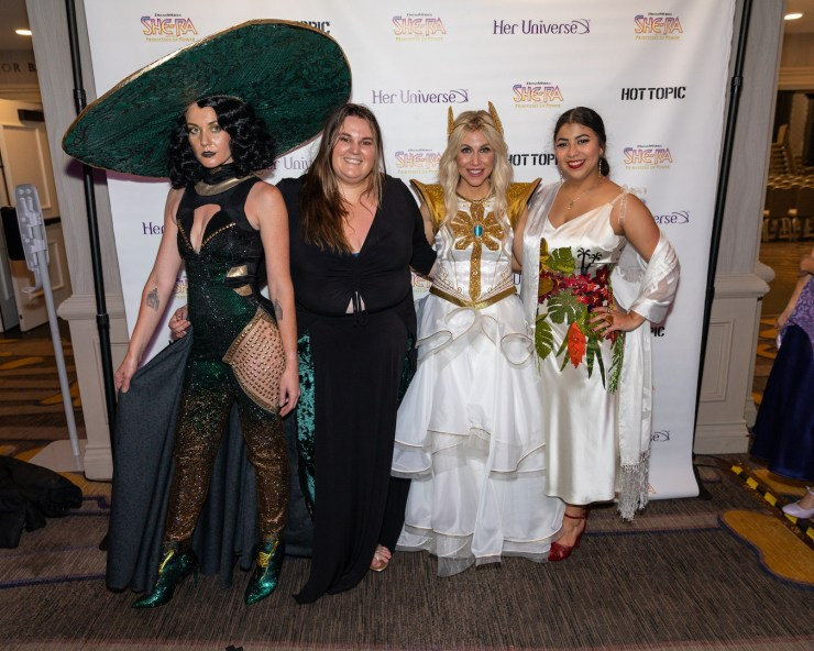 Her Universe 2019 fashion show dazzles with Loki, Jurassic Park, and more geek couture