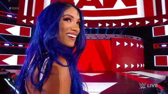 Sasha Banks returns to WWE Raw, attacks Natalya and Becky Lynch