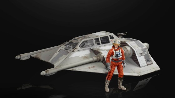 We didn't get a lot of new Star Wars reveals at this year's New York Toy Fair, but there were a couple of cool items shown at Hasbro's panel this weekend.
