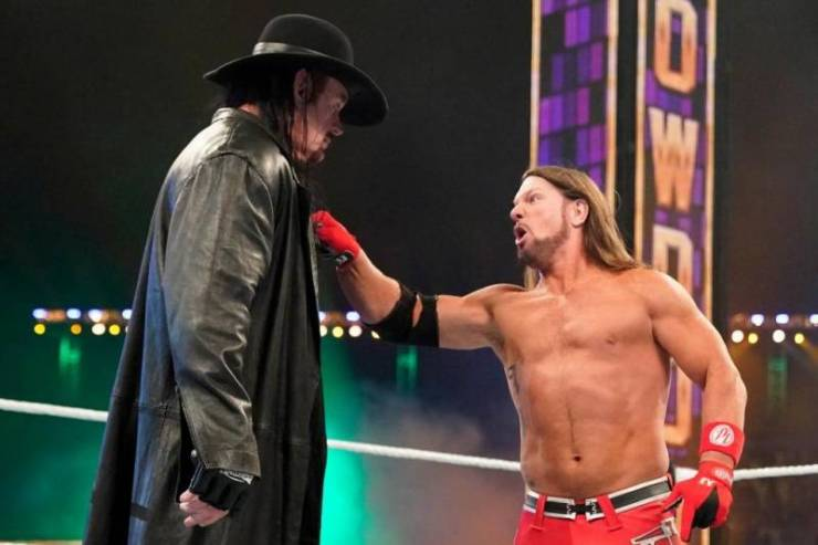 Meta narratives and breaking the fourth wall in pro wrestling