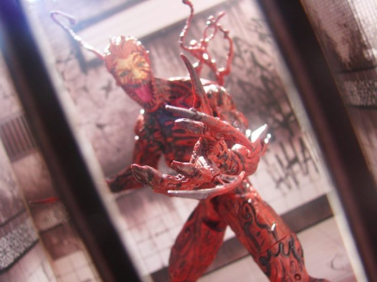 Marvel Select: Carnage Collector Edition Action Figure revealed