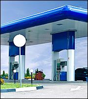 Καύσιμα: Αναπάντεχη βουτιά στην κατανάλωση - Άνοδος τιμών λόγω... τουρισμού
