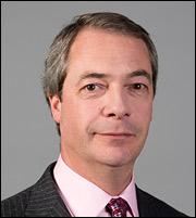 Παραιτήθηκε ο Nigel Farage από το UKIP - Χρειαζόμαστε πρωθυπουργό Brexit