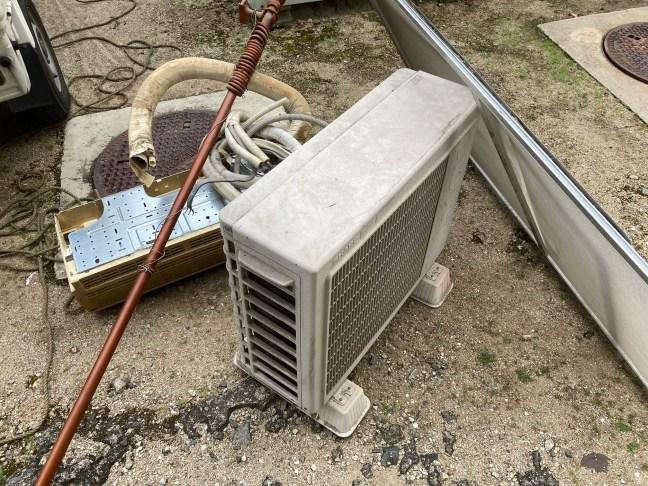 呉市アパート引っ越し後のエアコン回収