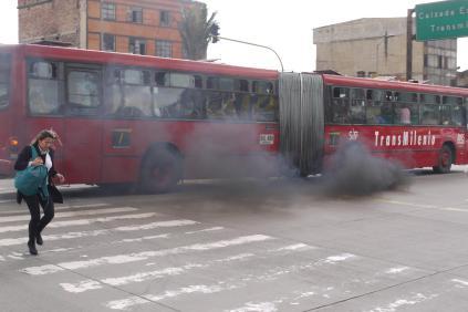transmilenio contamina