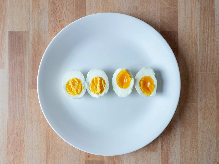 How to make hard and soft boiled eggs in an air fryer