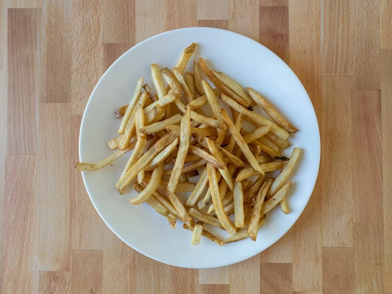 How to reheat Wendy's French fries using an air fryer