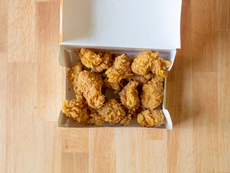 How to reheat Popeyes Chicken Nuggets in an air fryer