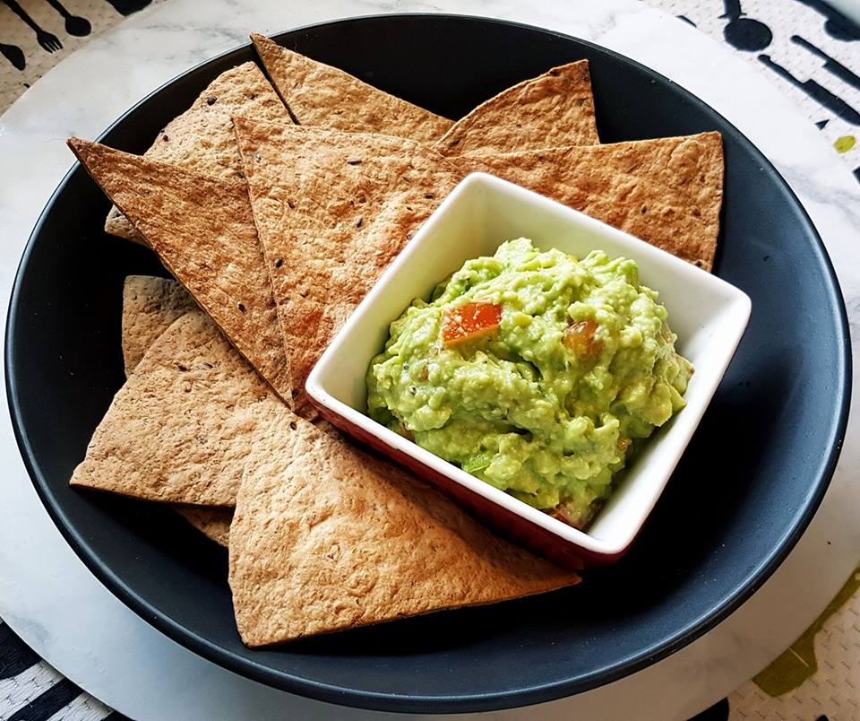 To-easy Air Fried Tortilla Chips and Guacamole