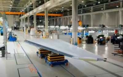 Strata's first 787 tail fin comes at difficult time for Dreamliner program
