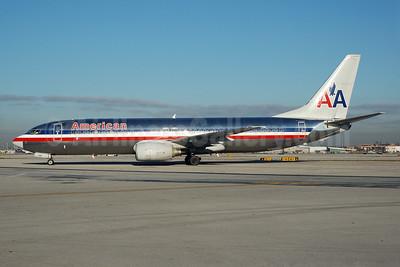 American Airlines Boeing 737-823 N907AN (msn 29509) MIA (Bruce Drum). Image: 100043.