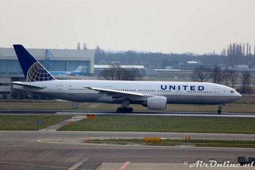 N780UA Boeing 777-222 United Airlines (Nieuwe kleuren)
