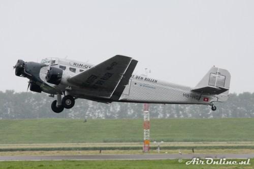 HB-HOY Junkers Flugzeugbau JU-52/3m g4e Ju-Air Rimowa Koffer