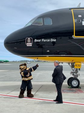 """jetblue unveils bruins themed bear force one Airplane GEEK JetBlue Unveils Bruins Themed """"Bear Force One"""""""