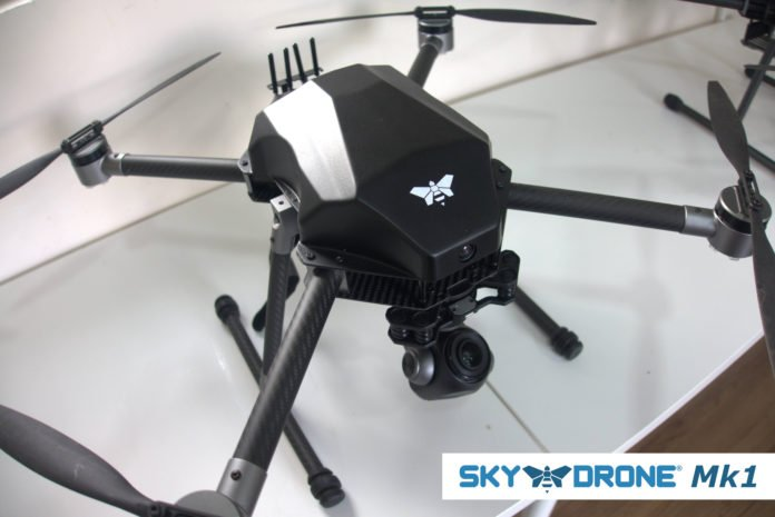 worlds first 5g connected ready to fly drone is now available Airplane GEEK World's First 5G-Connected Ready-to-Fly Drone Is Now Available