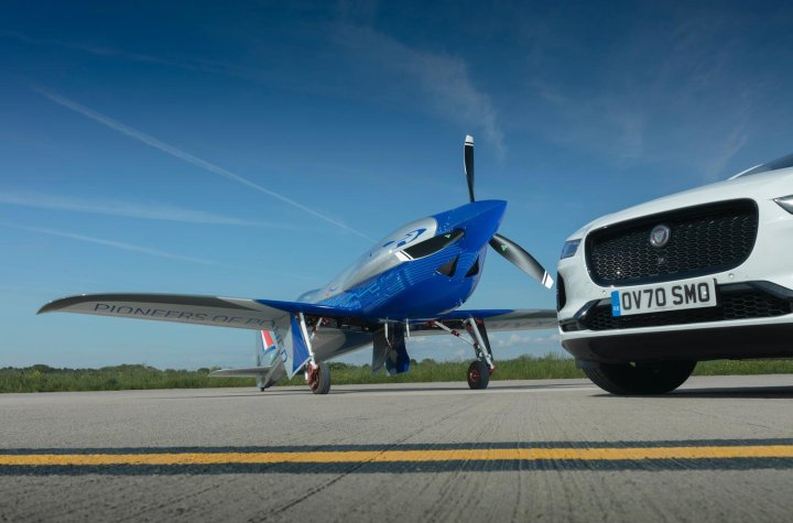 jaguar i pace provides ground support for all electric flight speed record bid Airplane GEEK Jaguar I-PACE provides ground support for all-electric flight speed record bid