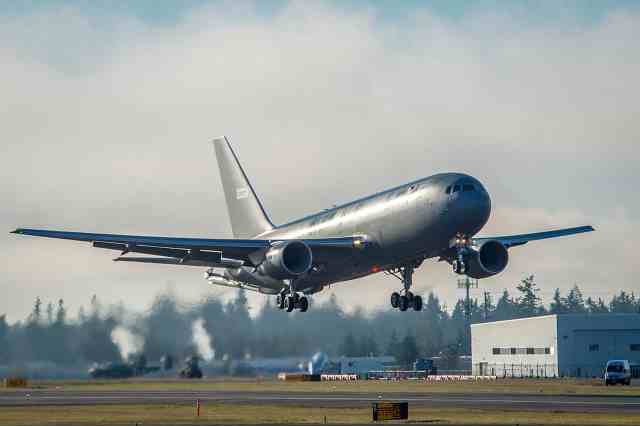 us to reopen boeing airbus bidding war over refueling aircraft Airplane GEEK US to reopen Boeing-Airbus bidding war over refueling aircraft