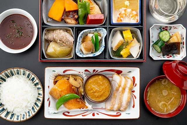Japan Airlines Will Ensure No Uneaten Plane Food Goes To Waste