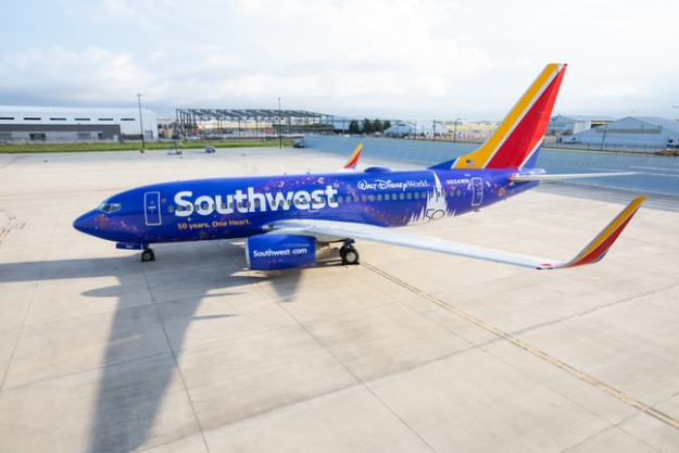 n954wn becomes southwests salute to walt disney world at 50 1 Airplane GEEK N954WN becomes Southwest's salute to Walt Disney World at 50
