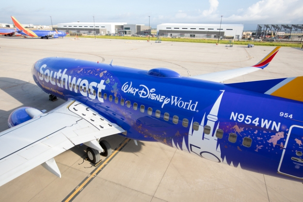 n954wn becomes southwests salute to walt disney world at 50 Airplane GEEK N954WN becomes Southwest's salute to Walt Disney World at 50