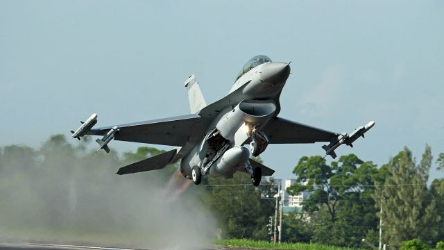 taiwan fighter jets land on highway for chinese invasion wargame Airplane GEEK Taiwan fighter jets land on highway for Chinese invasion wargame