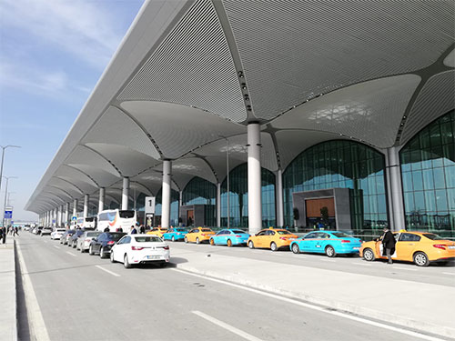 istanbul airport yellow and Turquoise taxis