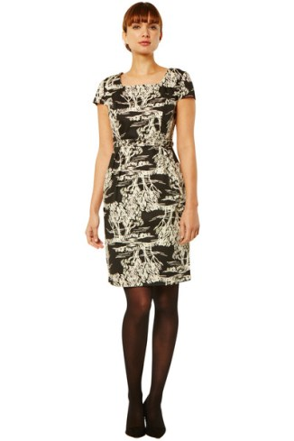 arya-tree-print-dress-87ee83d12fa0_grande