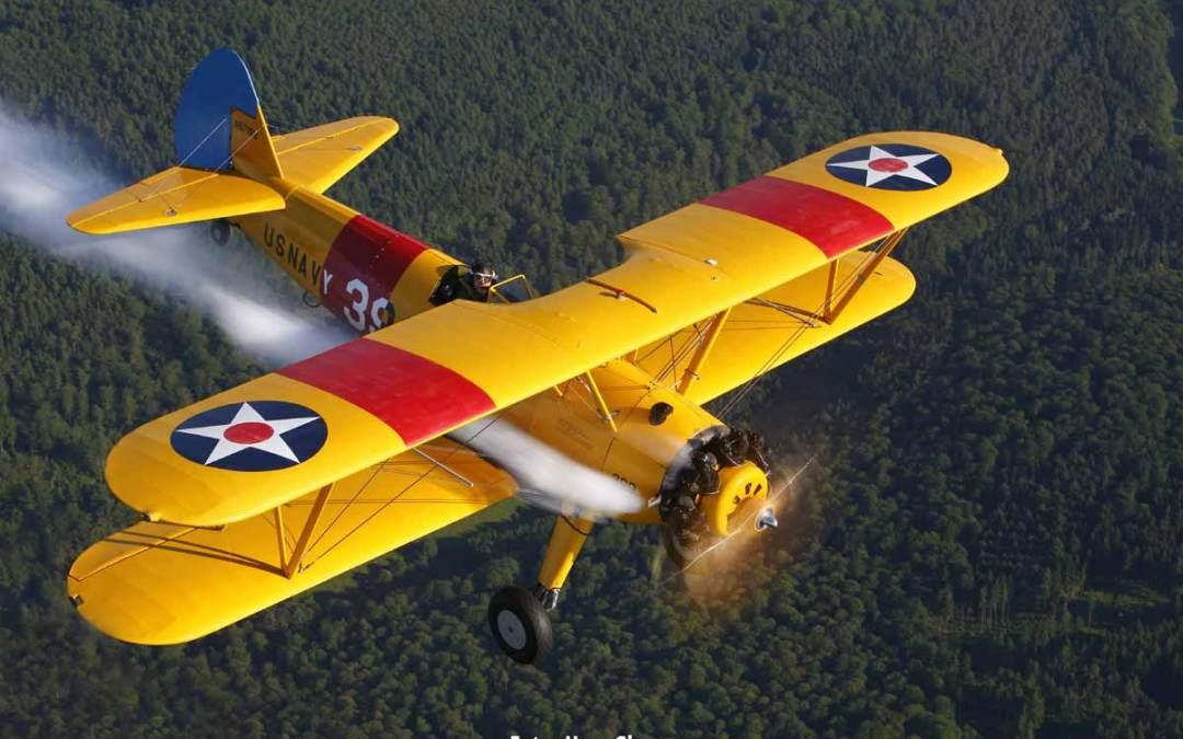 Die Boeing PT-17 Stearman vom Yellow Peril Team