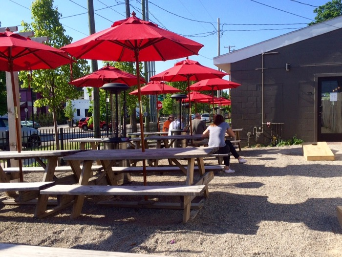 elk brewing grand rapids patio
