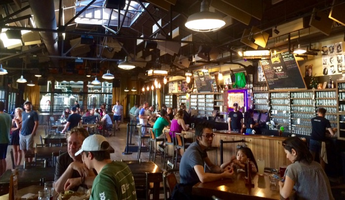 founders brewing interior