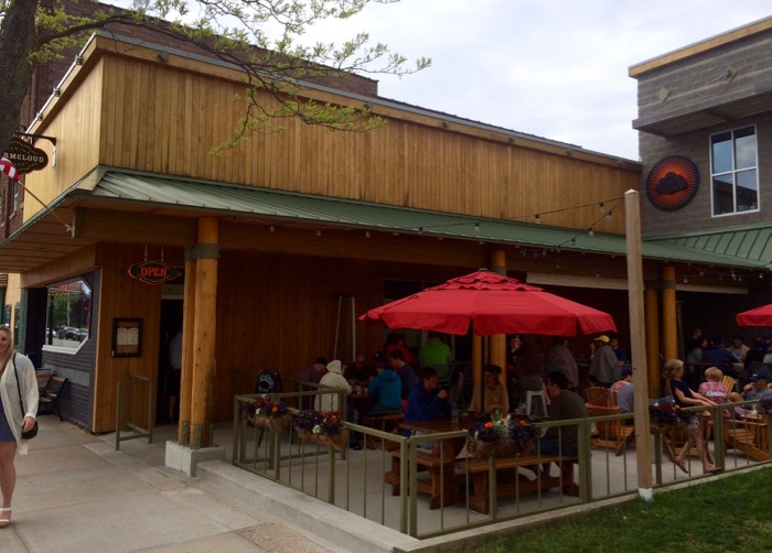 stormcloud brewing frankfort michigan exterior