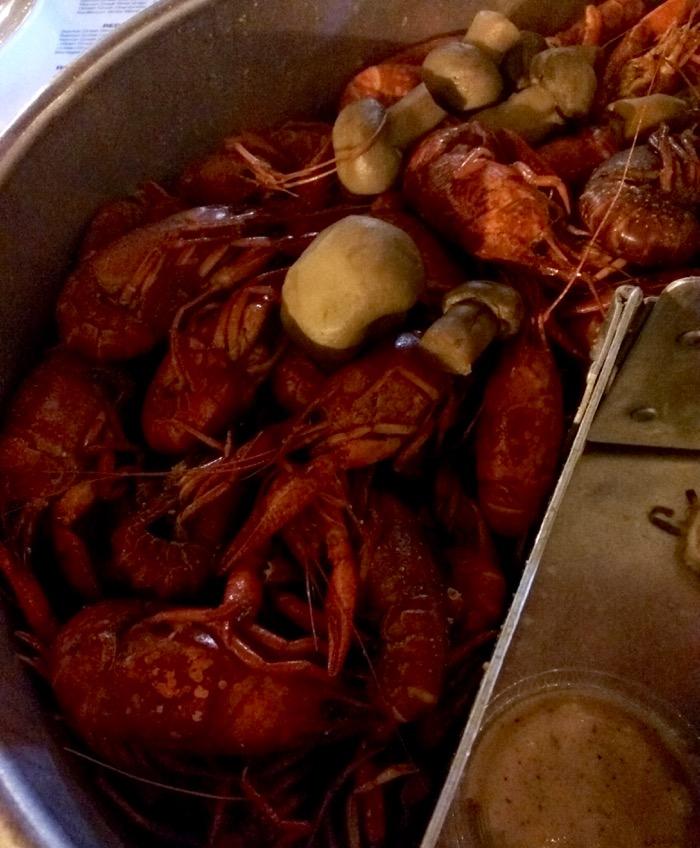 crawfish at hook & boil, lafayette