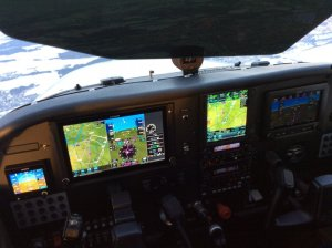 Cesna 172S Avionics during test flight