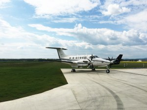 beechcraft 200 super king air at stand