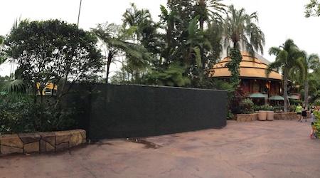 Die Baustelle in der Nähe des Jurassic Park Themenbereichs
